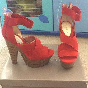Bakers McKinley heels red